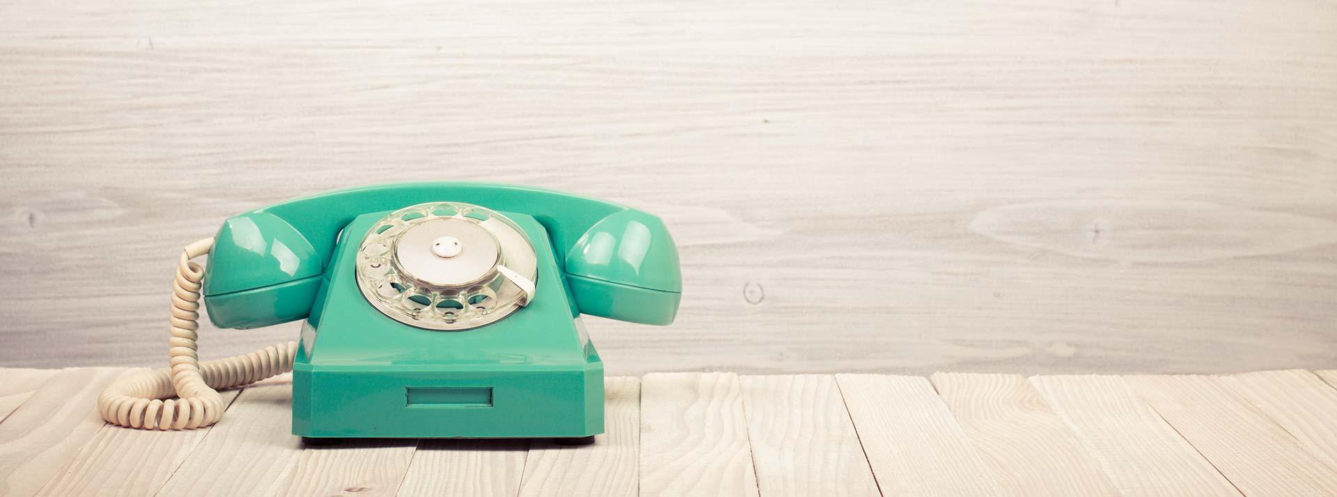 Telefon zur Kontaktaufnahme, Feinstoffpraxis finden
